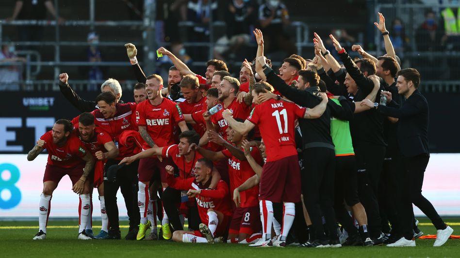 Kölner Jubel nach der erfolgreichen Bundesliga-Relegation gegen Kiel
