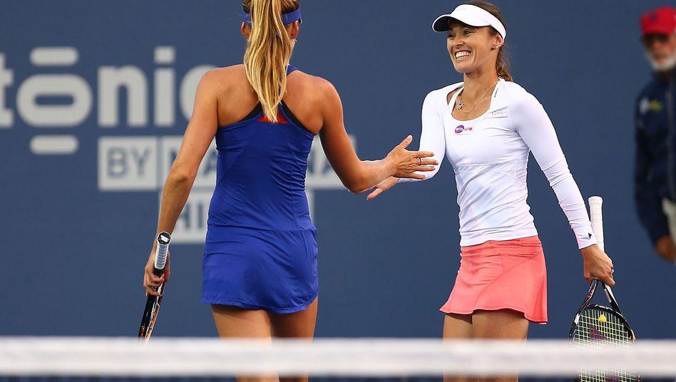 Doppelpartner Hantuchova, Hingis (rechts): Sieg bei Comeback