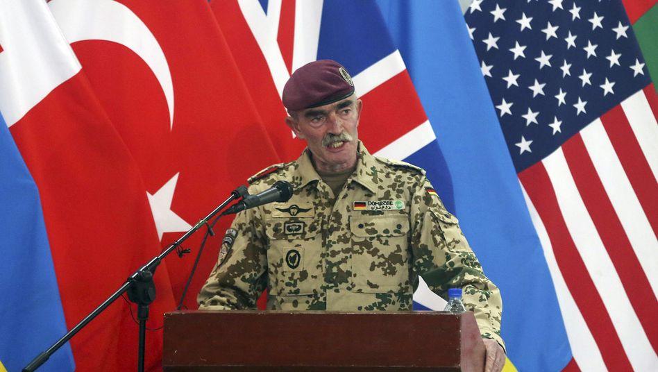 Nato-General Hans-Lothar Domröse am 28. Dezember 2014 in Kabul: Zwischenfall bei der Anreise