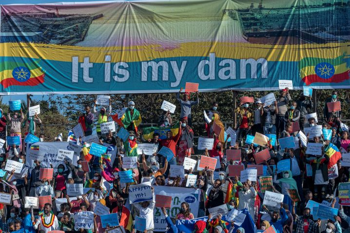 Äthiopischer Nationalstolz, ägyptische Ängste: Demonstrierende feiern den Staudamm in Addis Abeba