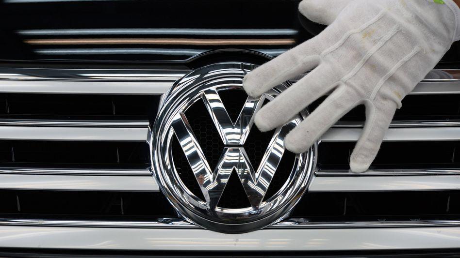 VW-Logo: Die Abgasaffäre weitet sich aus
