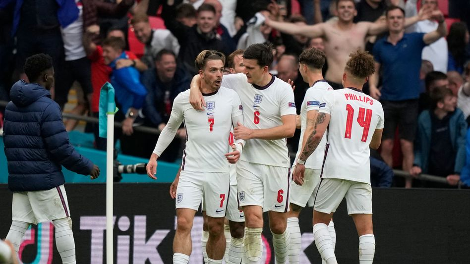 Englands Harry Maguire (Mitte) beim Torjubel gegen Deutschland