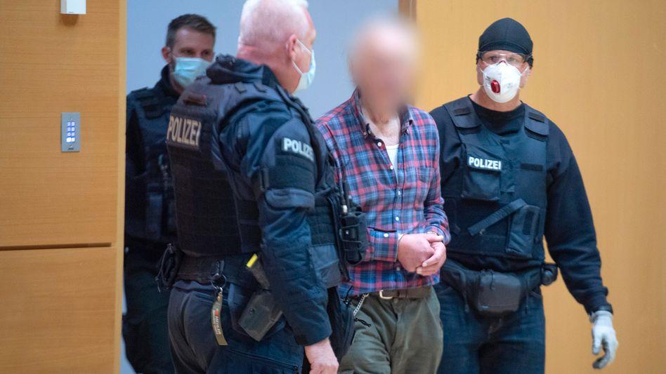 Angeklagter Hans-Gerd R. vor dem Amtsgericht Hanau: Der Gutachter hält ihn für egozentrisch und völlig unempathisch