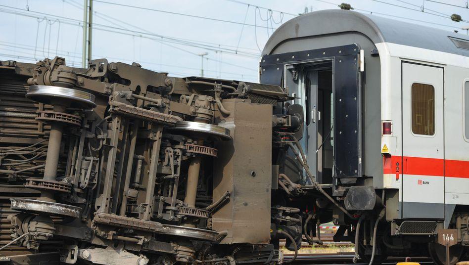 "Umgekippter Eurocity-Waggon in Mannheim: ""Wir ermitteln in alle Richtungen"""