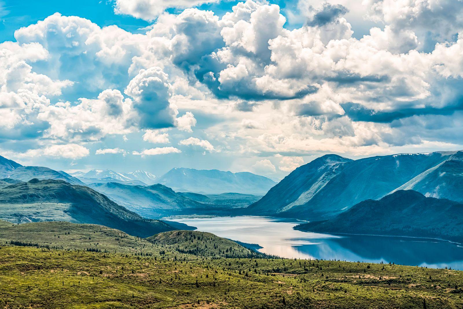 Fish Lake, near Whitehorse; Yukon, Canada PUBLICATIONxINxGERxSUIxAUTxONLY Copyright: RobertxPostma 13077788