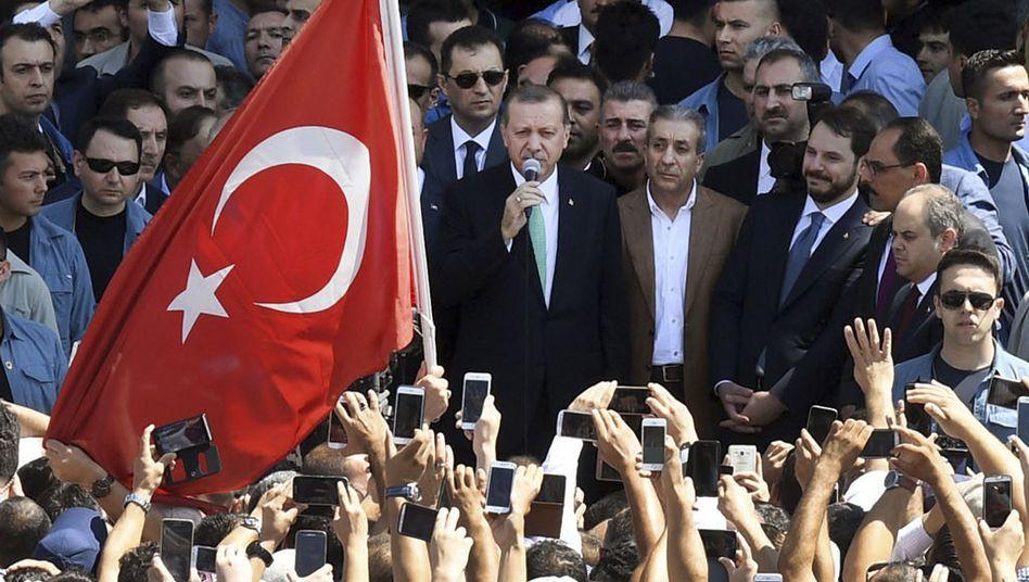 Erdogan vor Anhängern in Ankara