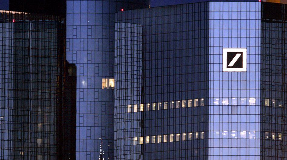 Zentrale der Deutschen Bank: Fehler im internen Handelssystem