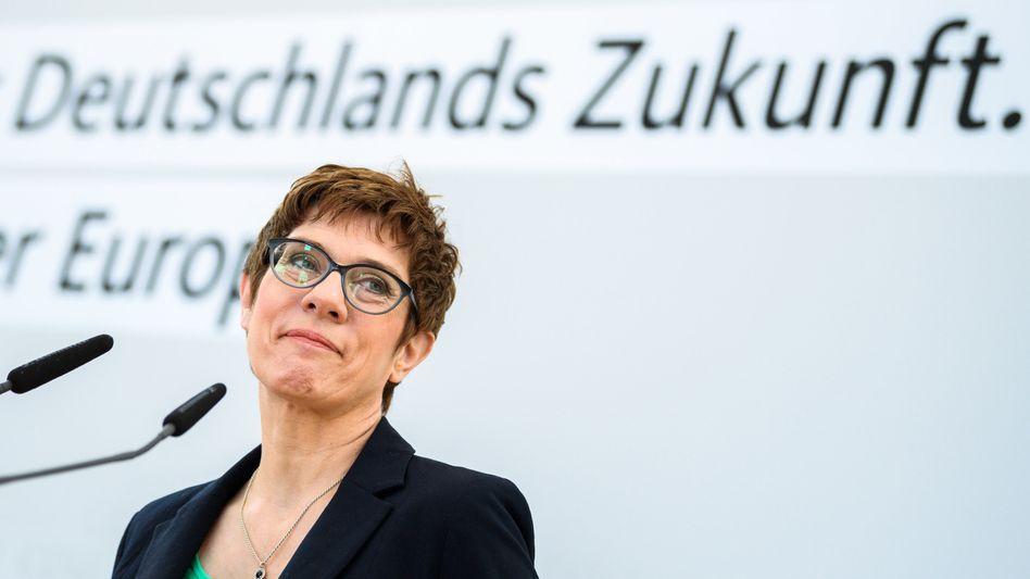 """Annegret Kramp-Karrenbauer: """"Gebe zu, dass wir zu lange gebraucht haben."""""""
