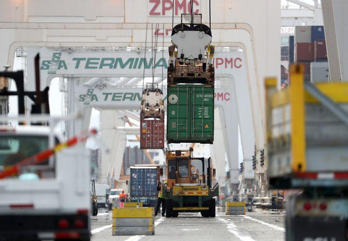 Container im Hafen von Oakland (Kalifornien)
