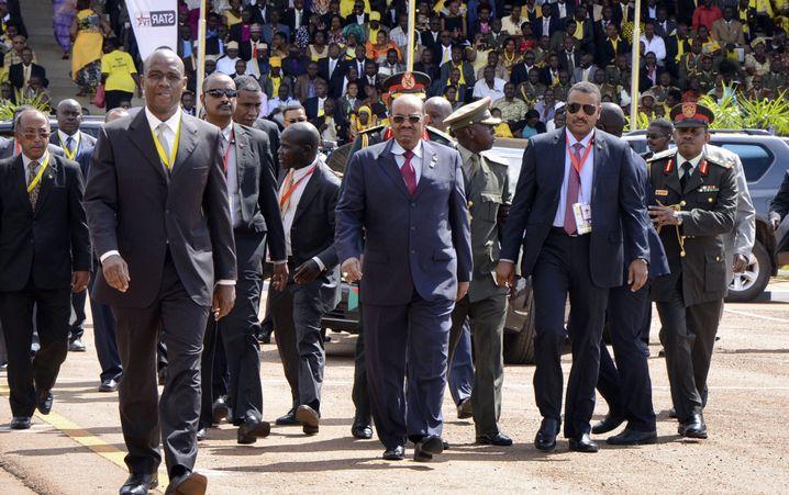 Baschir auf Staatsbesuch in Uganda, Mai 2016