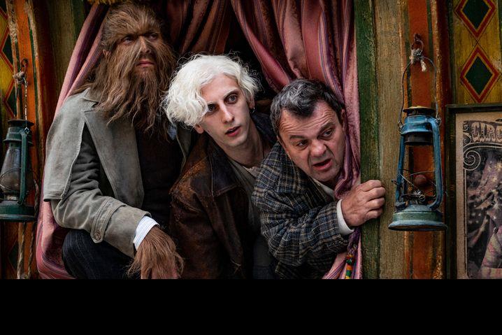 Szene aus »Freaks Out« mit Claudio Santamaria, Pietro Castellitto und Giancarlo Marini