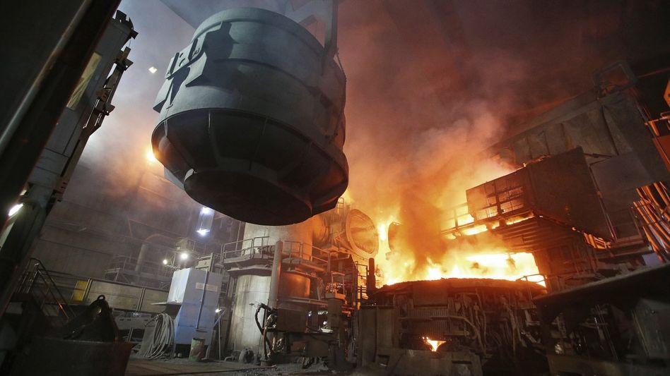 Stahlwerk in Hamburg: Die Konkurrenzfähigkeit ganzer Industriezweige steht in Frage