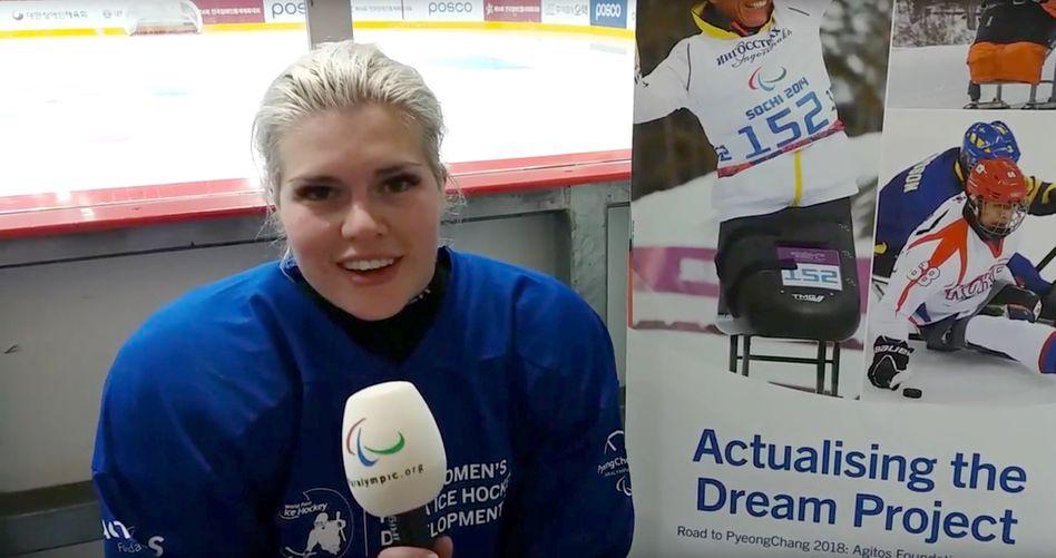 Eishockeyspielerin Lena Schroeder