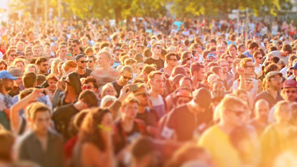 Feiernde beim Verknipt-Festival in Utrecht