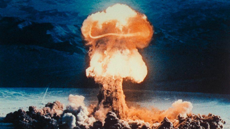 Atombombentest in der Wüste von Nevada