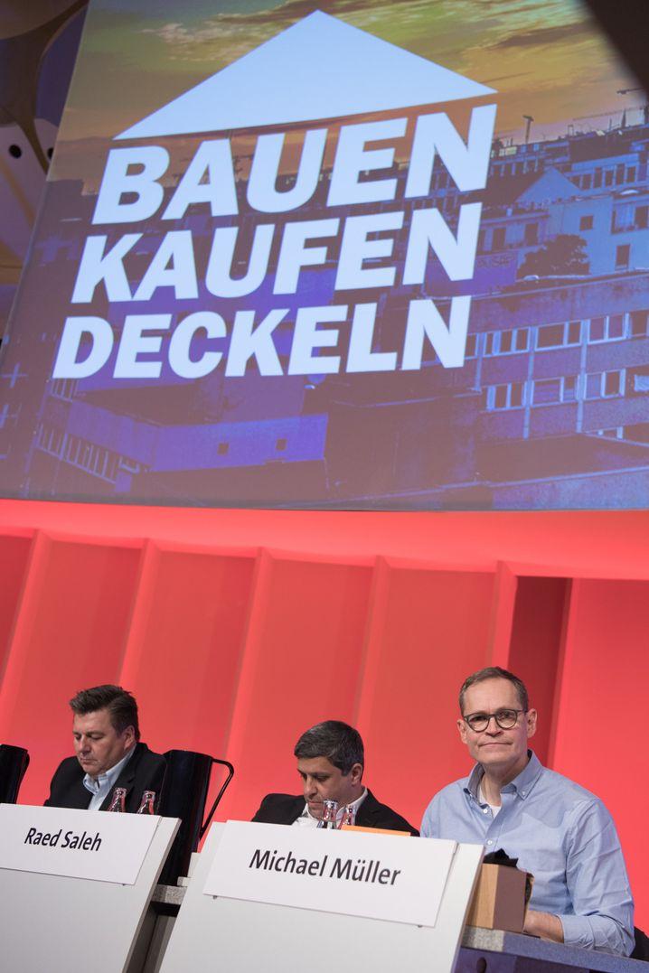 Berliner SPD-Spitze (v.l.): Innensenator Andreas Geisel, Raed Saleh, Fraktionsvorsitzender im Abgeordnetenhaus, und Bürgermeister Michael Müller