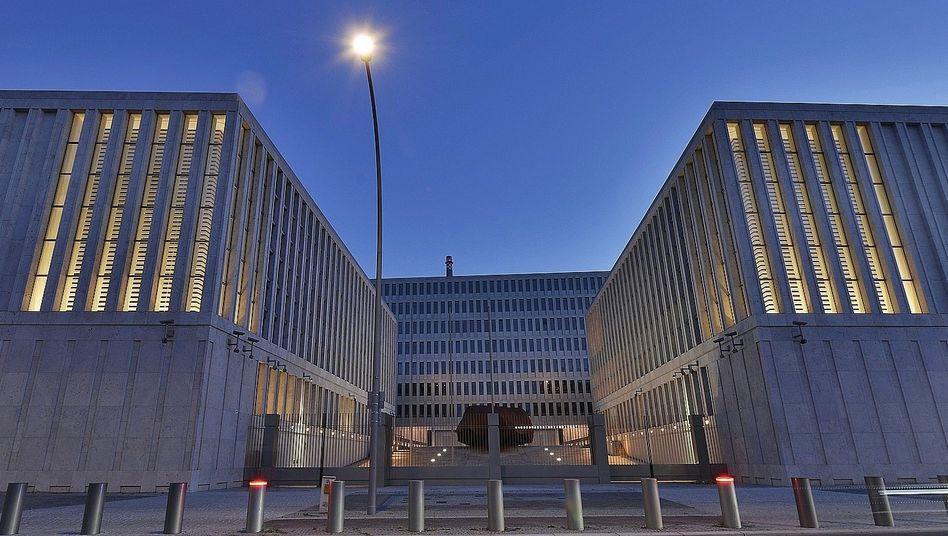 """Zentrale des Bundesnachrichtendienstes in Berlin:""""Zum Abschuss freigegeben"""""""