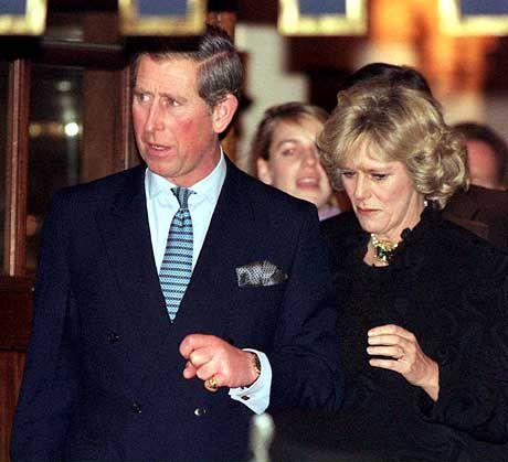 Der erste offizielle Auftritt von Prinz Charles und Camilla Parker Bowles im Januar 1999 im Ritz-Hotel in London