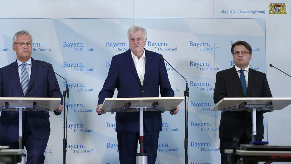 Herrmann, Seehofer, Bausback (v.l.)
