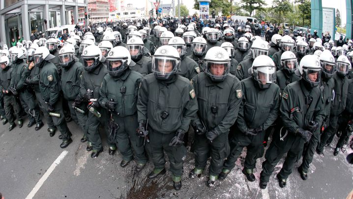Blockupy-Protest: Pfefferspray gegen Demonstranten