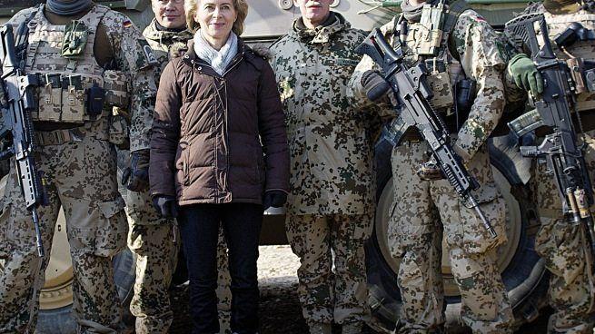 Ministerin von der Leyen, Soldaten Hilfsangebote für die Balten