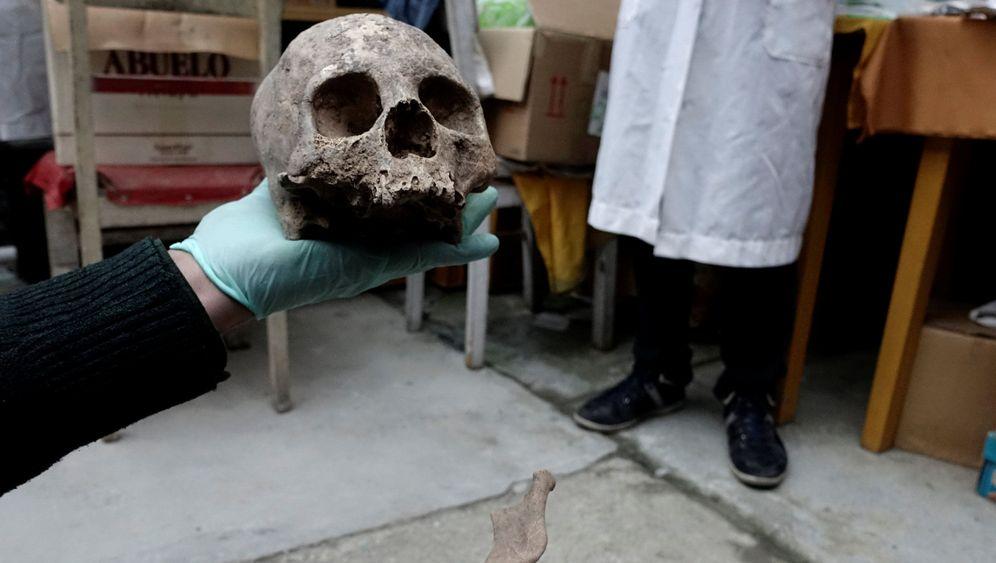 Fund in Bolivien: Knochen, Stoffe, Schalen