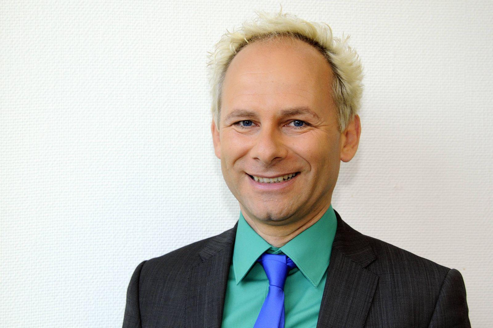 EINMALIGE VERWENDUNG Jens Förster