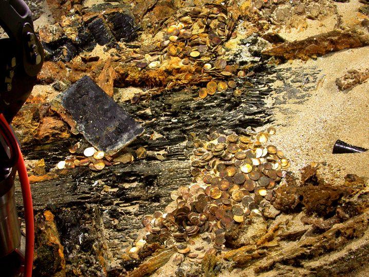 """Goldschatz-Fund (2003): So oder ähnlich könnte es am Fundort der """"San José"""" vor Kolumbiens Küste aussehen. Das Schiff explodierte vor dem Sinken"""