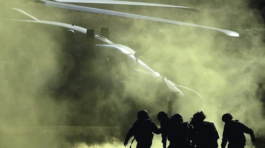 Soldaten auf Truppenübungsplatz Bergen