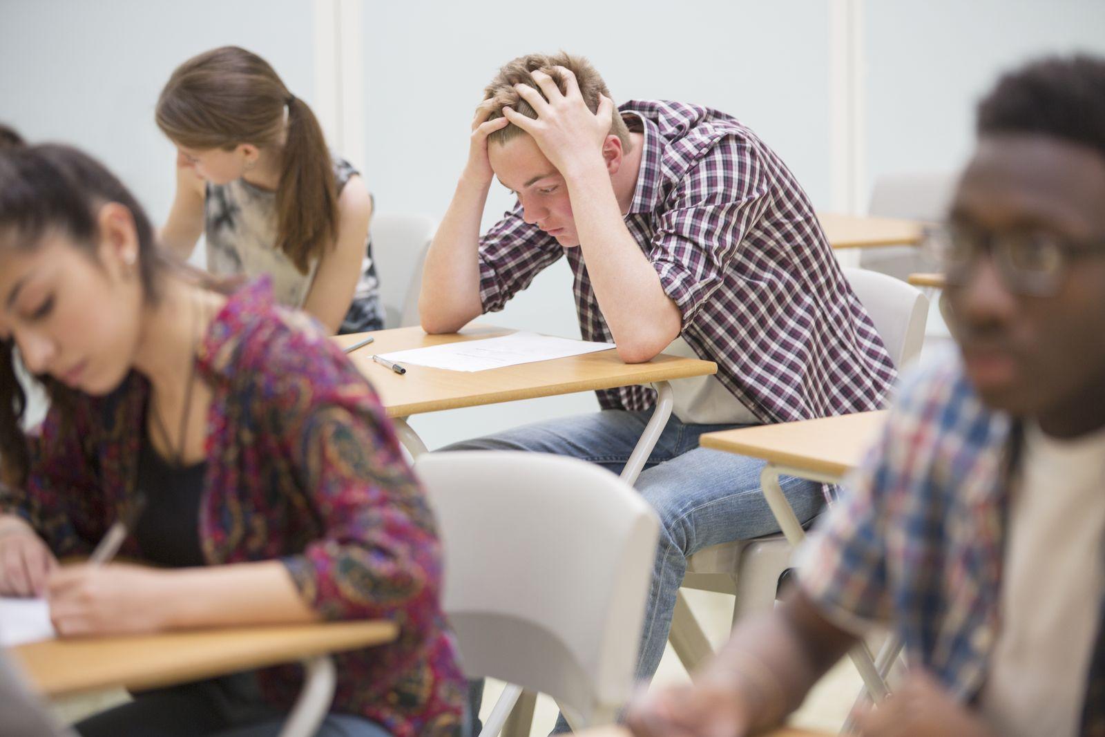 EINMALIGE VERWENDUNG Studenten Prüfung / Abitur