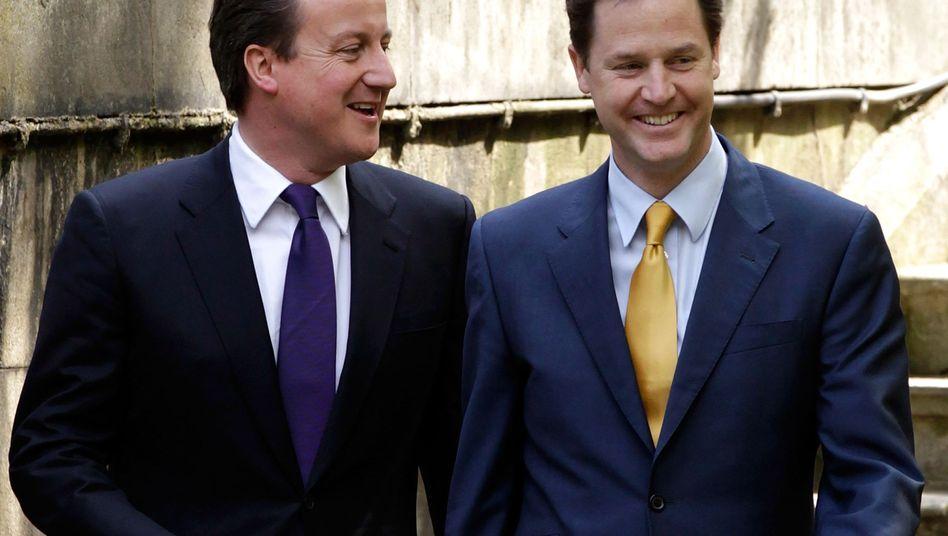 David Cameron und Stellvertreter Nick Clegg: Völlig andere Netzpolitik als Labour