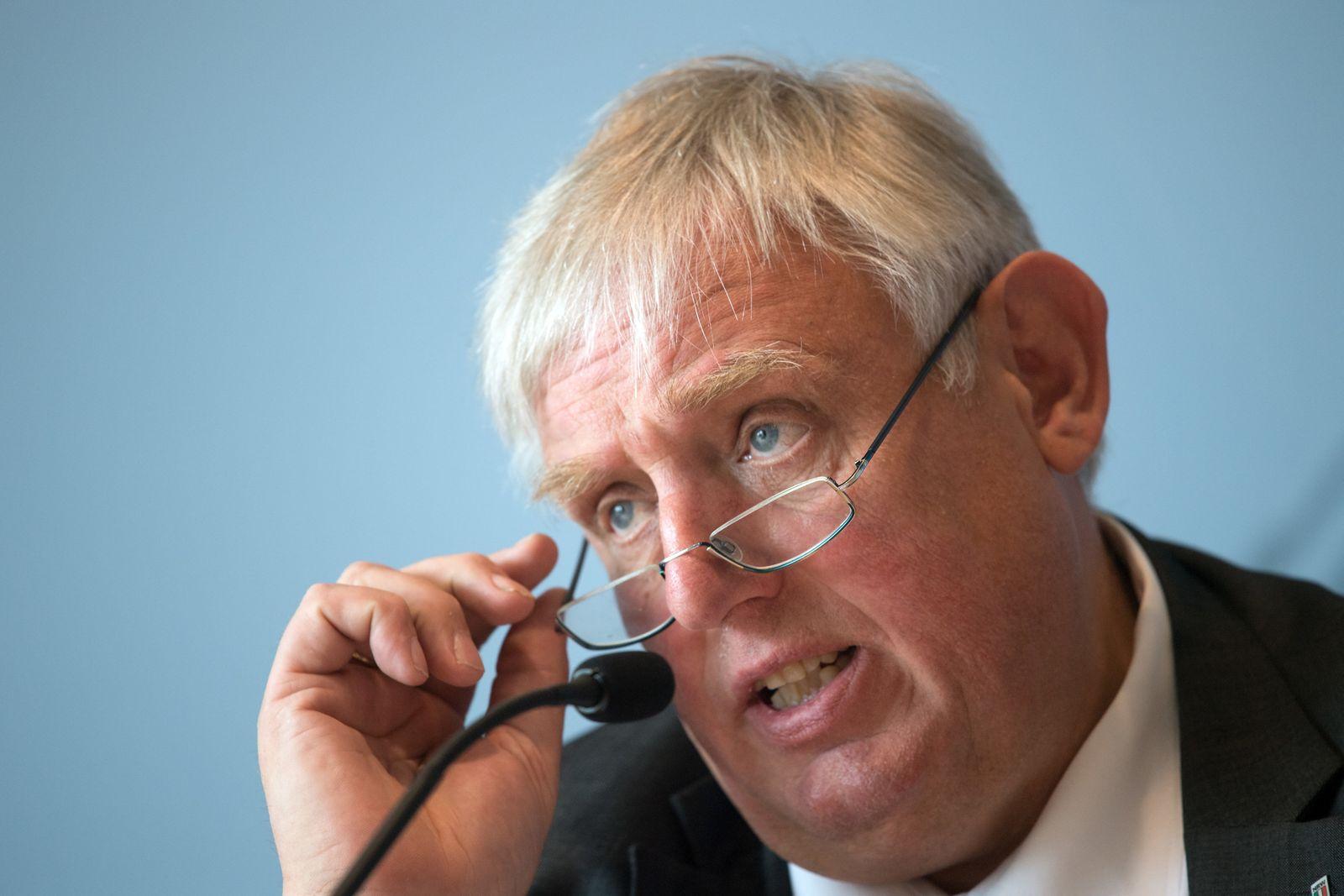 NRW-Gesundheitsminister stellt Landarztquote vor