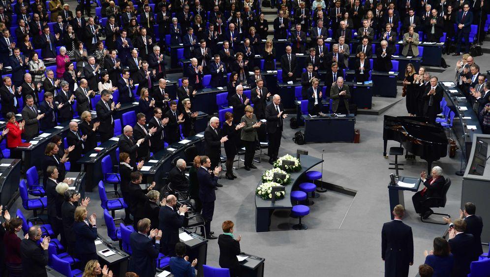 """Gedenkstunde im Bundestag: """"Antisemitismus ist ein 2000 Jahre alter Virus"""""""
