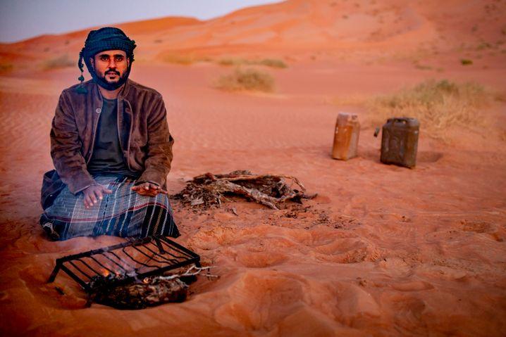 Guide Mohamed: Kochen am Feuer und in die Sterne gucken