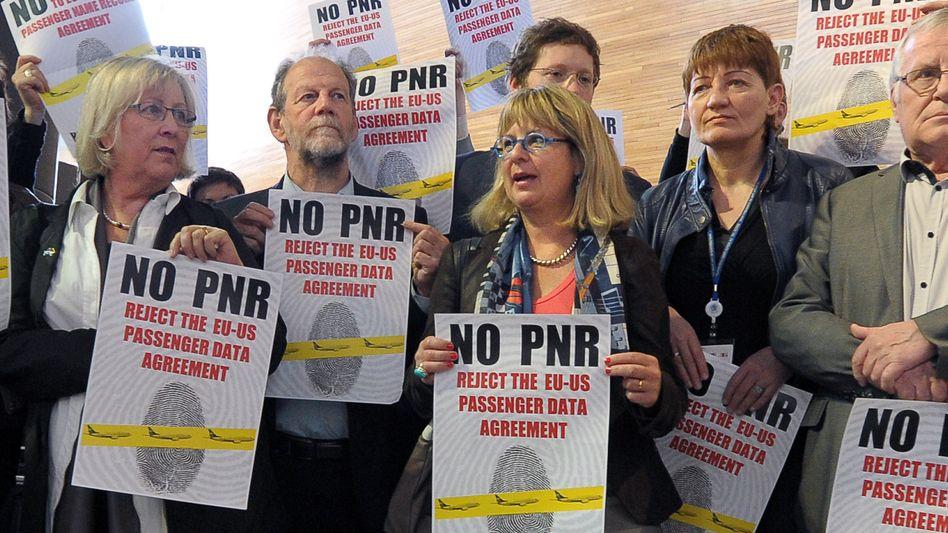 Demonstranten in Brüssel: Das Abkommen ist unter Abgeordneten umstritten