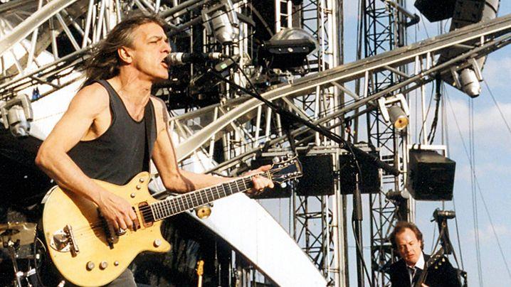 "AC/DC-Sänger Malcolm Young: ""Künstler, Produzent, Visionär"""