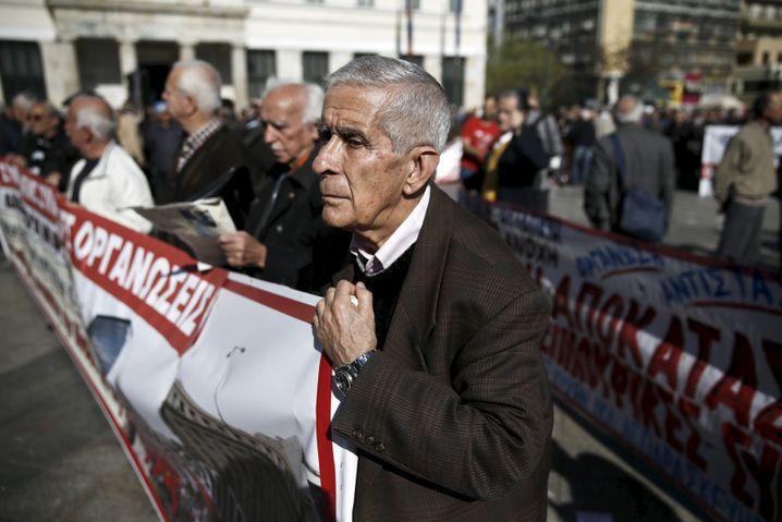 Rentner bei Demo gegen Sparpolitik in Athen: Eine Art Ersatz-Sozialhilfe