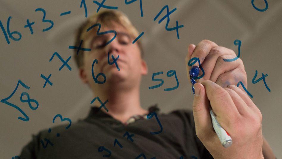 Wenn Oliver Sechting der 58 begegnet, muss er sie neutralisieren - mit anderen Zahlen zum Beispiel.