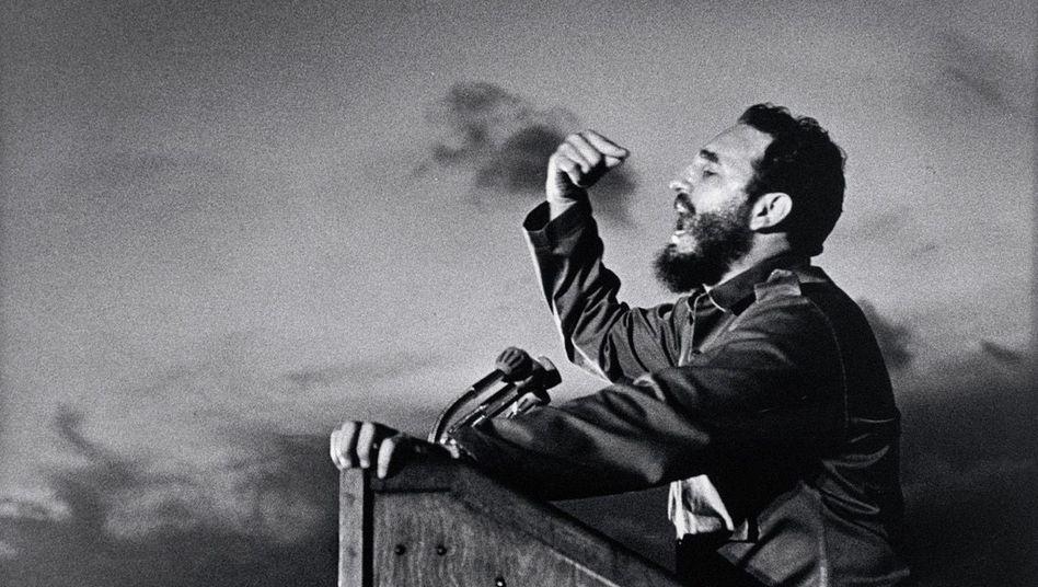 Comandante Castro 1964 in Santiago de Cuba