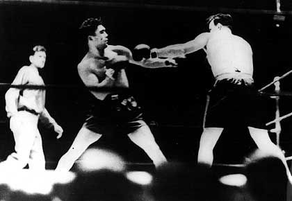 Schmeling (M., gegen Jack Sharkey): Weltmeister aller Klassen
