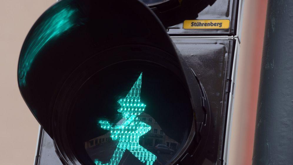 Ampel an der Augsburger Puppenkiste: Der Verkehrskasper