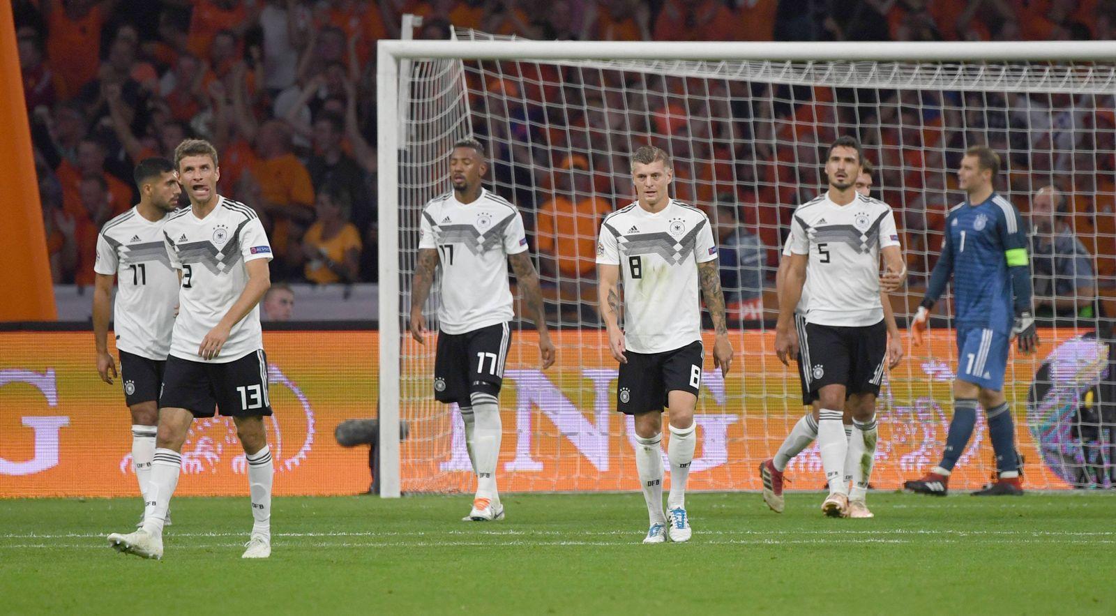EINMALIGE VERWENDUNG DFB/ Müller/ Boateng/ Hummels/ Kroos/ Neuer/ Can/ Gegentor Niederlande