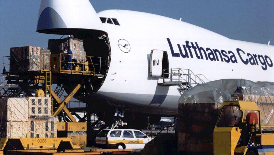 Maschine von Lufthansa Cargo: Kerosinzuschläge abgesprochen