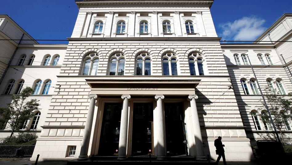 Vor dem Bonner Landgericht legte der Angeklagte ein umfassendes Geständnis ab