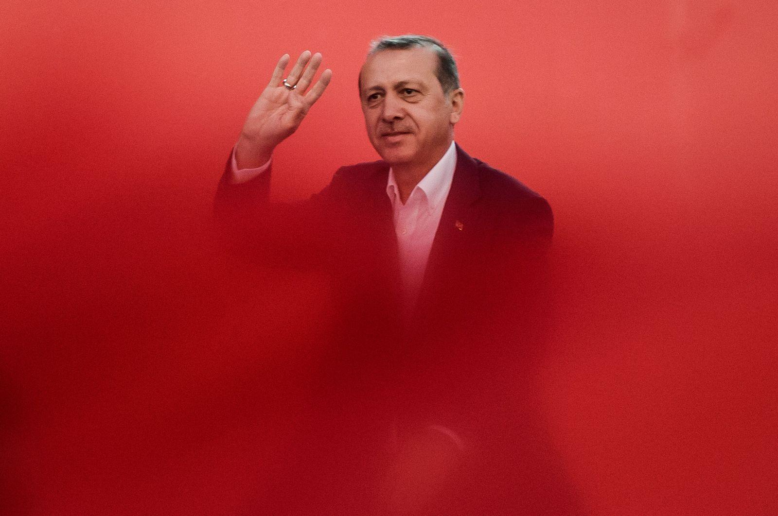 FILES-TURKEY-POLITICS-CONSTITUTION