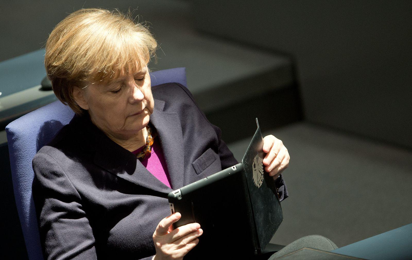 Bundestag Angela Merkel iPad