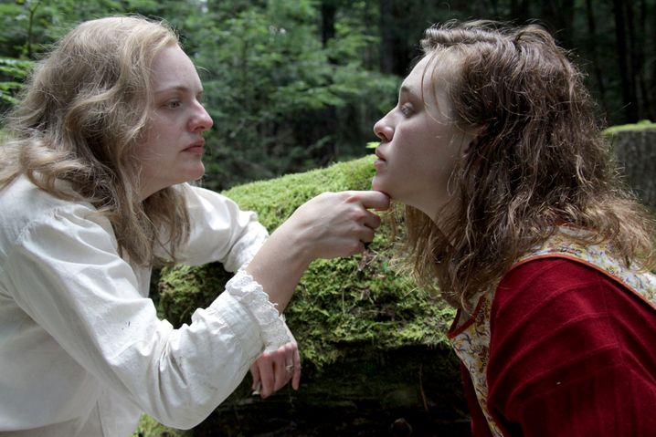 """Elisabeth Moss (links) und Odessa Young in """"Shirley"""""""