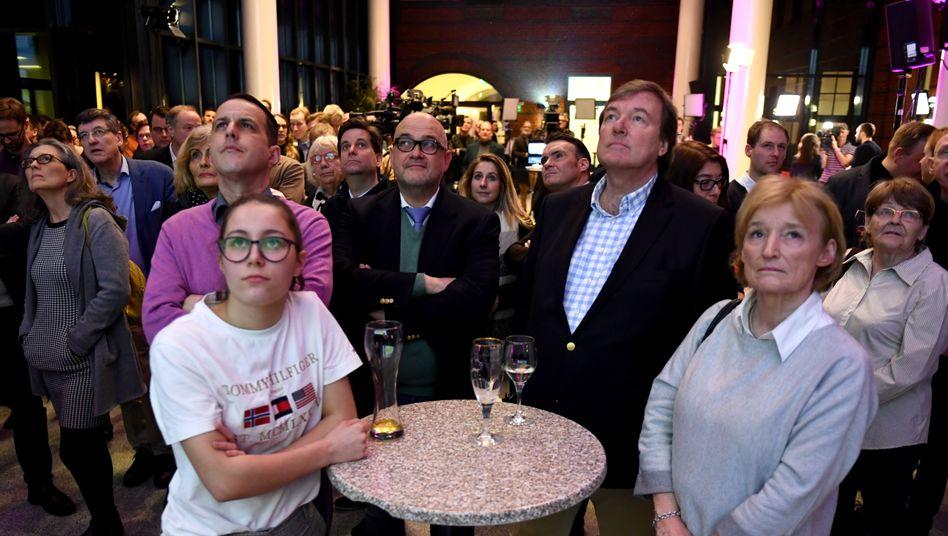 Vorläufige Auszählung abgeschlossen: FDP und AfD ziehen wohl wieder in die Hamburger Bürgerschaft ein