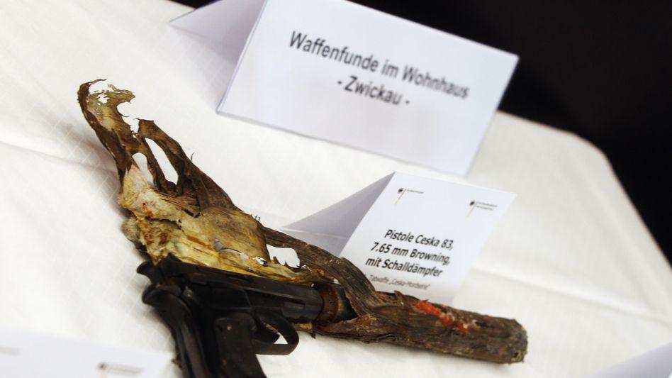 Tatwaffe des NSU (Archivbild): Mit dieser Ceska wurden neun Menschen ermordet