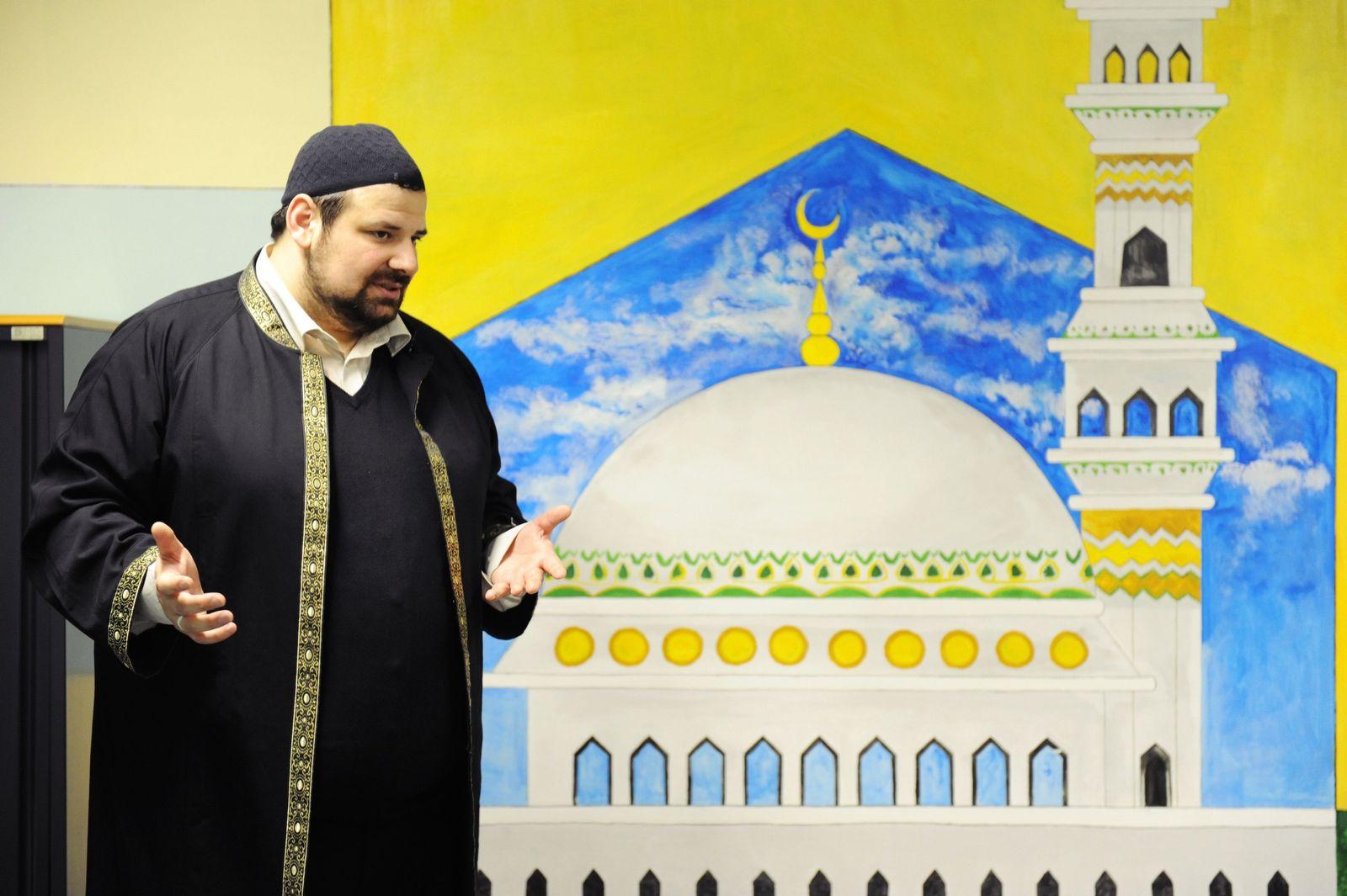 EINMALIGE VERWENDUNG Ramazan Demir